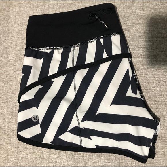 lululemon athletica Pants - Lululemon which way sway speed shorts